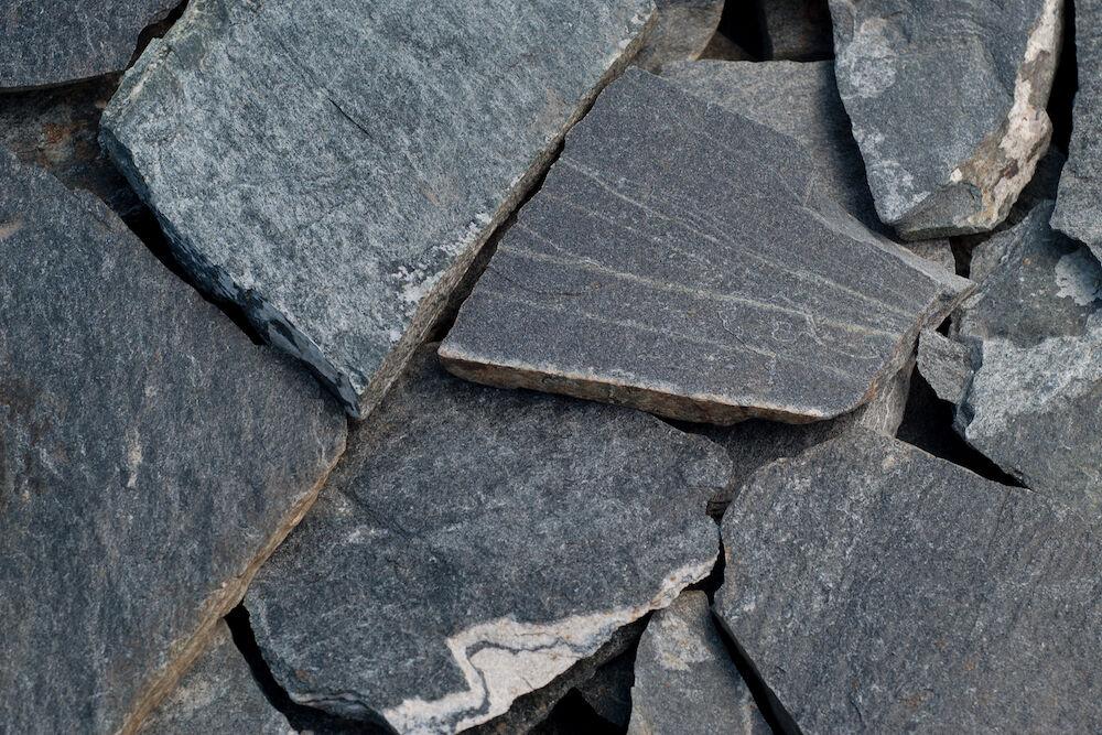 zöld szabálytalan kő lapok