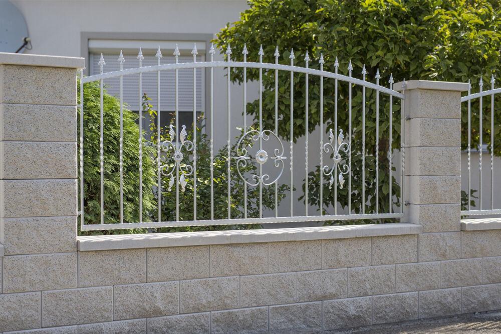 törtfehér kerítéskő