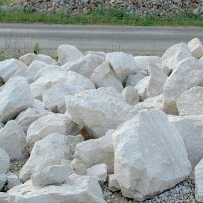 Fehér mészkő szikla ömlesztett