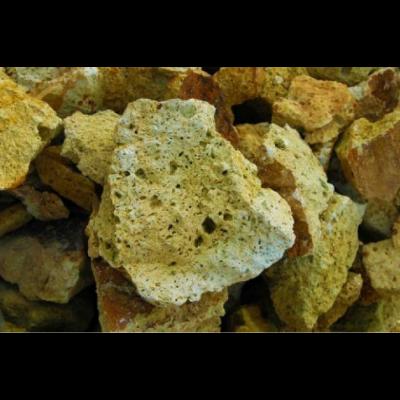 Mádi sárga tufa szikla